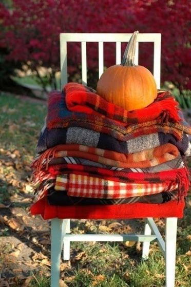 280315-Stack-Of-Scarves-Pumpkin