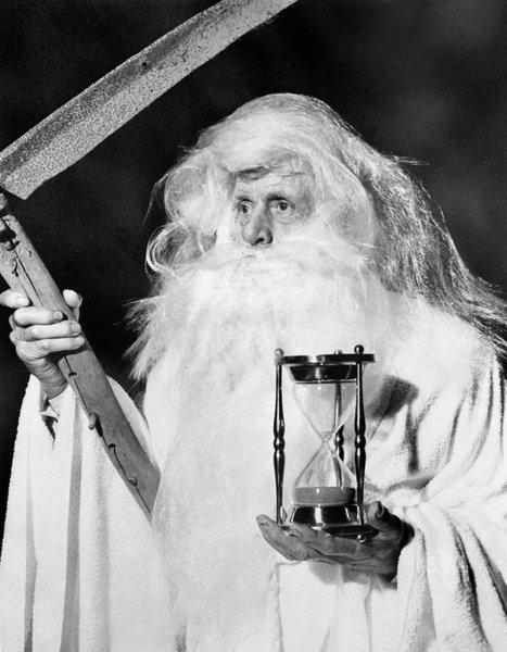 1950s-costume-elderly-man-long-beard-vintage-images